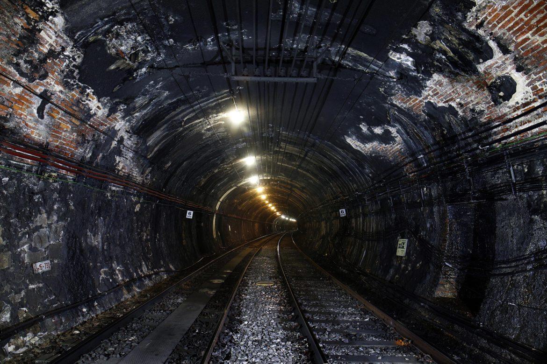 Tunel de hormigón deteriorado